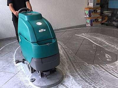 Aluguel de lavadora de pisos
