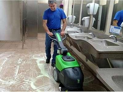Lavadora de piso locação