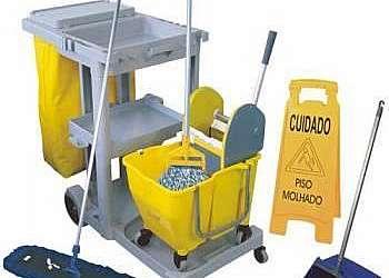 Carrinho de limpeza industrial